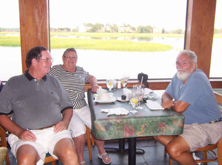 Had a great dinner at Saltwater Grille with Jerry and Pat on m/v Another Cupcake. We met them back in Port Royal…they're from Walthourville GA.