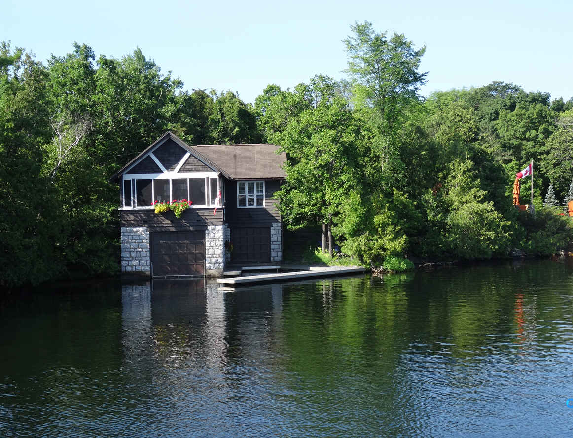 July 22 made stops at bobcaygeon fenelon falls and for Boat garage on water